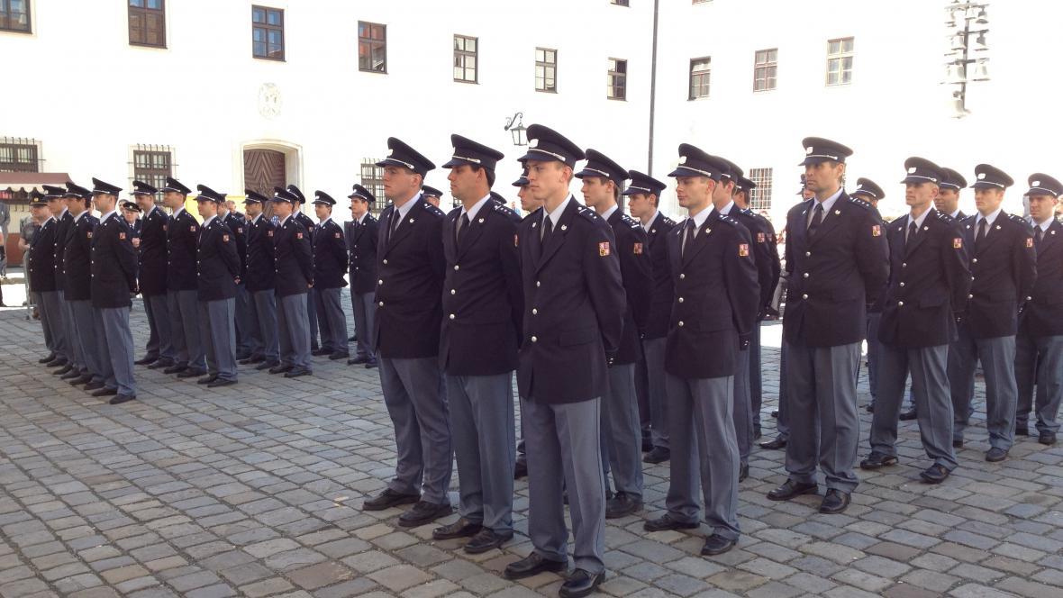 V Brně složilo přísahu 35 nových hasičů