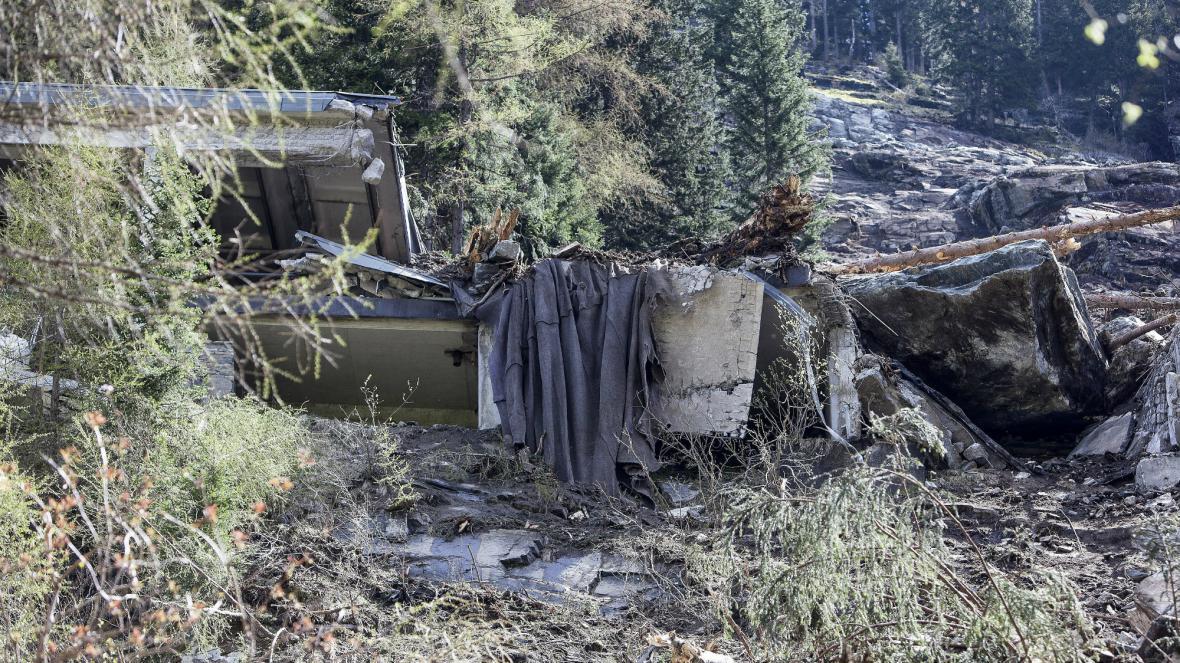 Sesuv zablokoval důležitou silnici v Rakousku