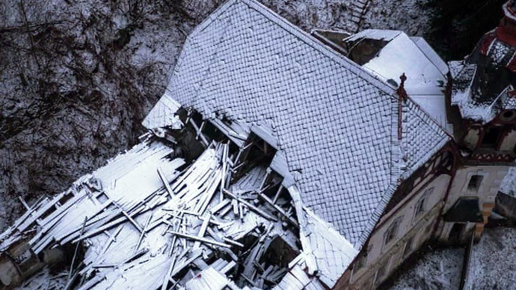 Propadlá střecha v Kyselce