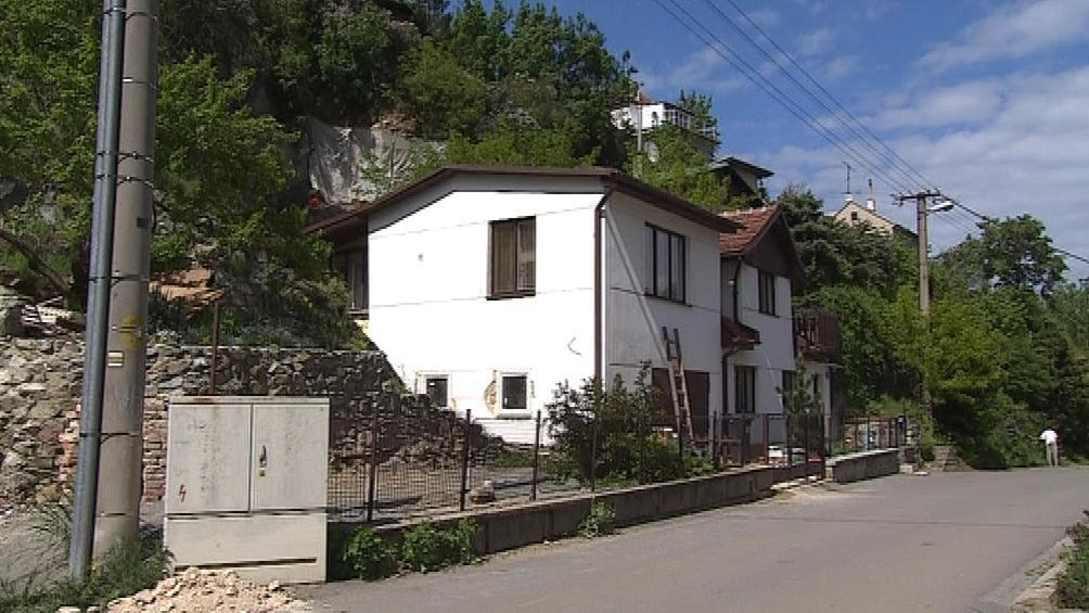 Situace nad tímto domem v ulici Pod Horkou byla nejkritičtější