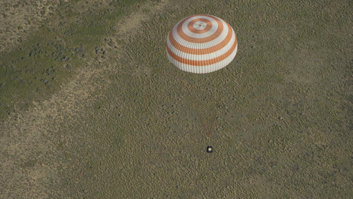 Návrat astronautů z ISS