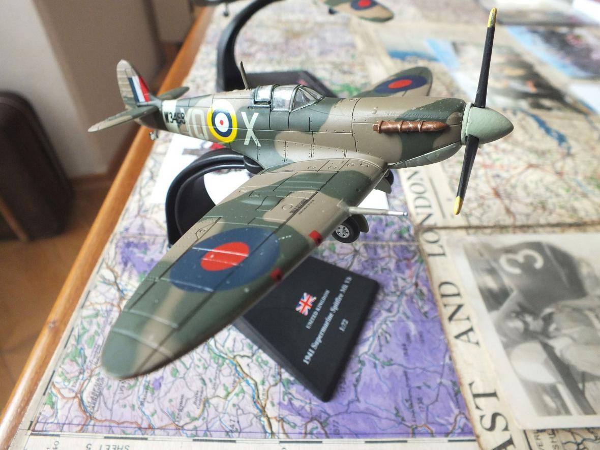Z besedy Českoslovenští letci na křídlech RAF