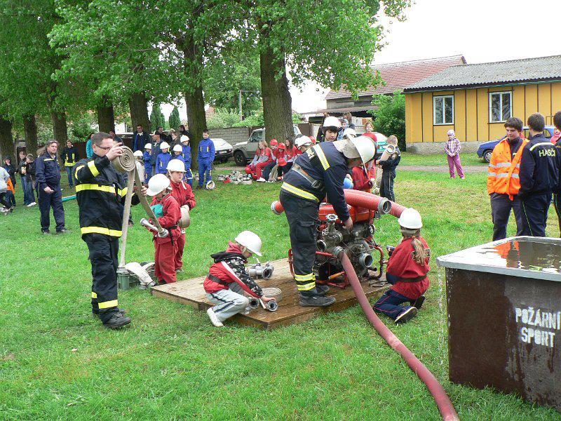 Soutěž mladých hasičů v Košticích