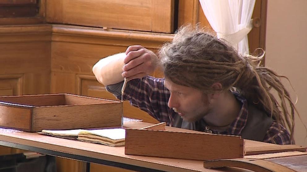 Na obnovu čekají i dřevěné předměty