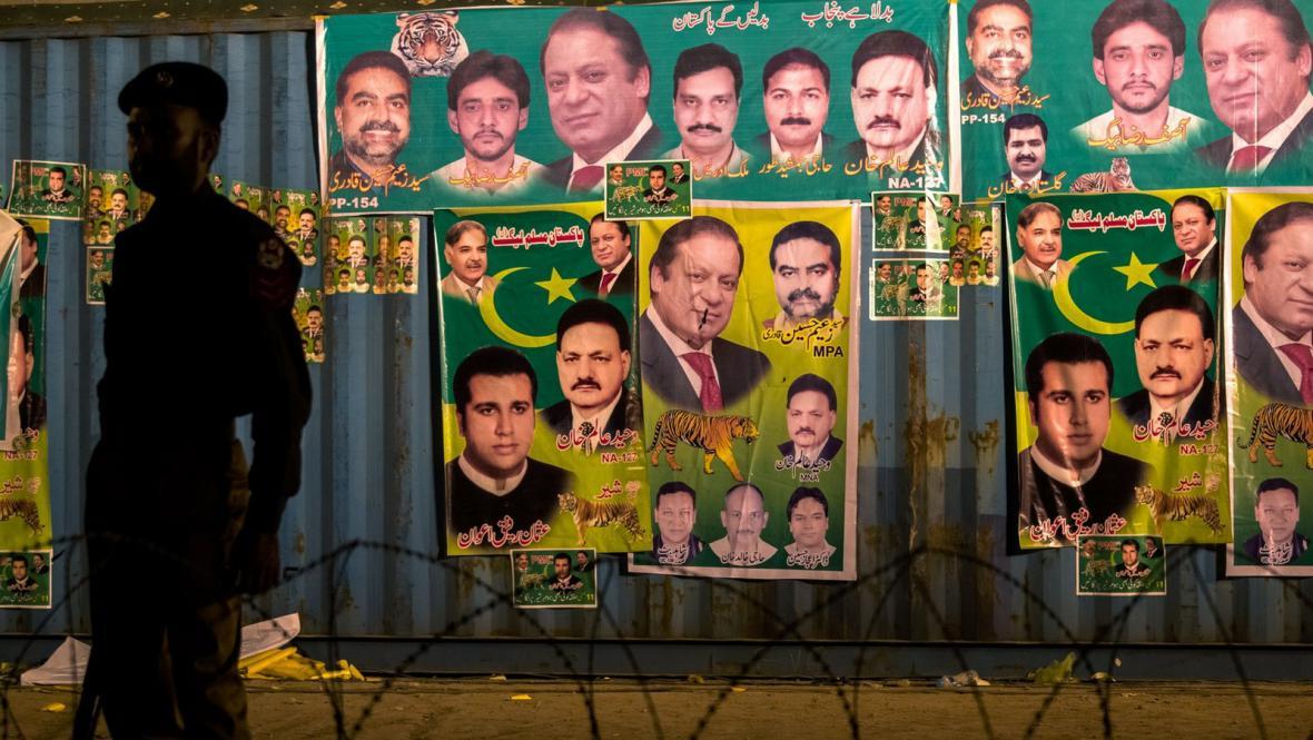Volební plakáty Naváze Šarífa