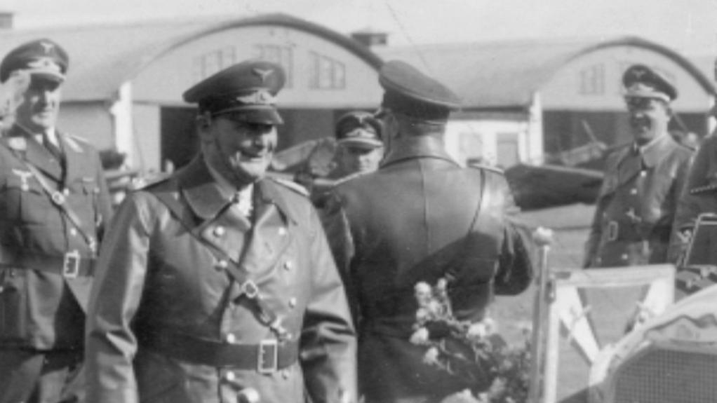 Hermann Göring na letišti v Chebu