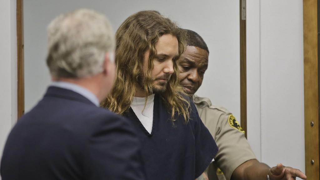 Zpěvák Tim Lambesis před soudním líčením