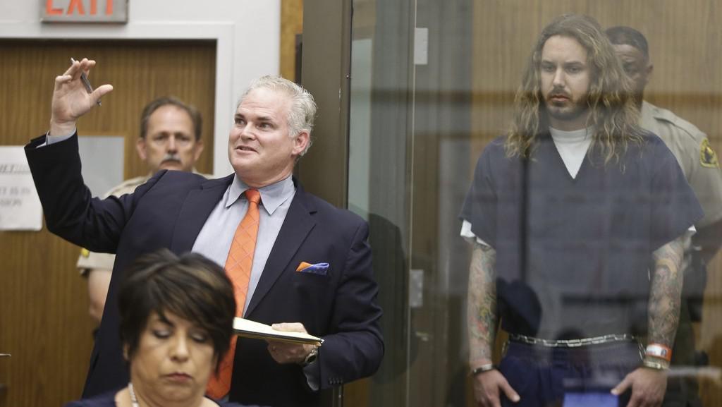 Zpěvák Tim Lambesis při soudním líčení
