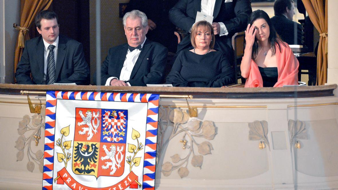 Prezident Miloš Zeman s manžekou Ivanou na zahájení 68. ročníku Pražského jara