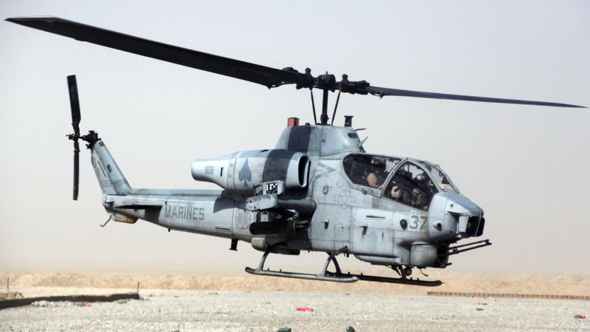 Vrtulník AH-1W Cobra