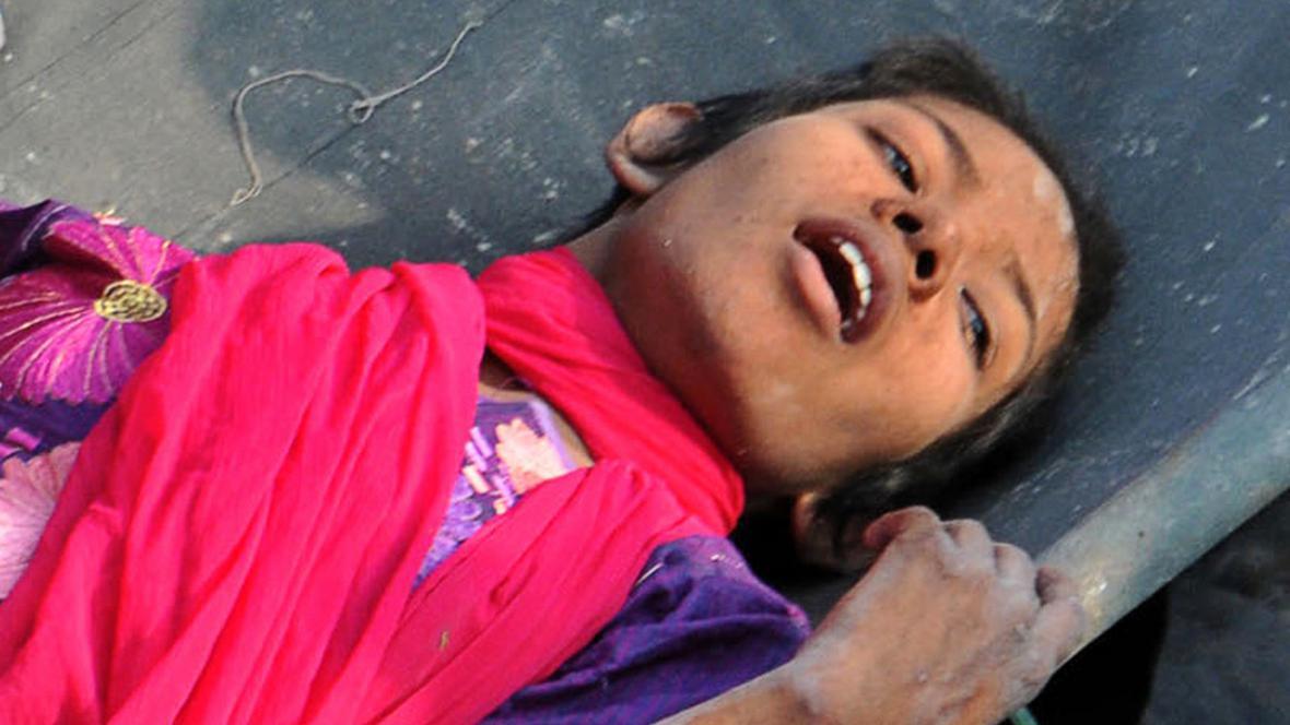 Rešmi přežila 17 dní pod troskami v Bangladéši