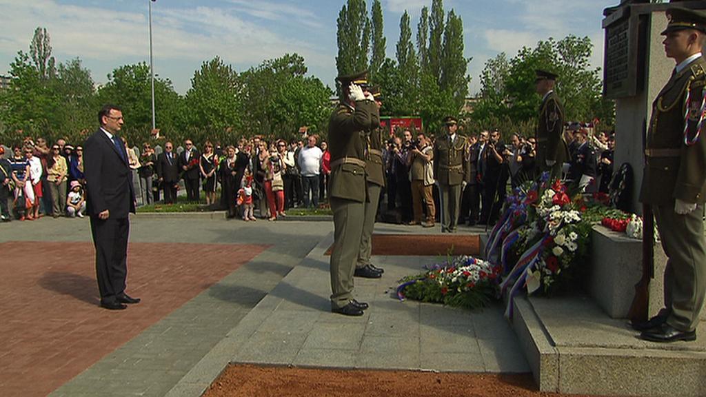 Pieta na Olšanských hřbitovech