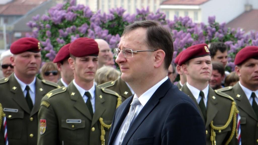 Premiér Nečas na pietním aktu při výročí konce druhé světové války