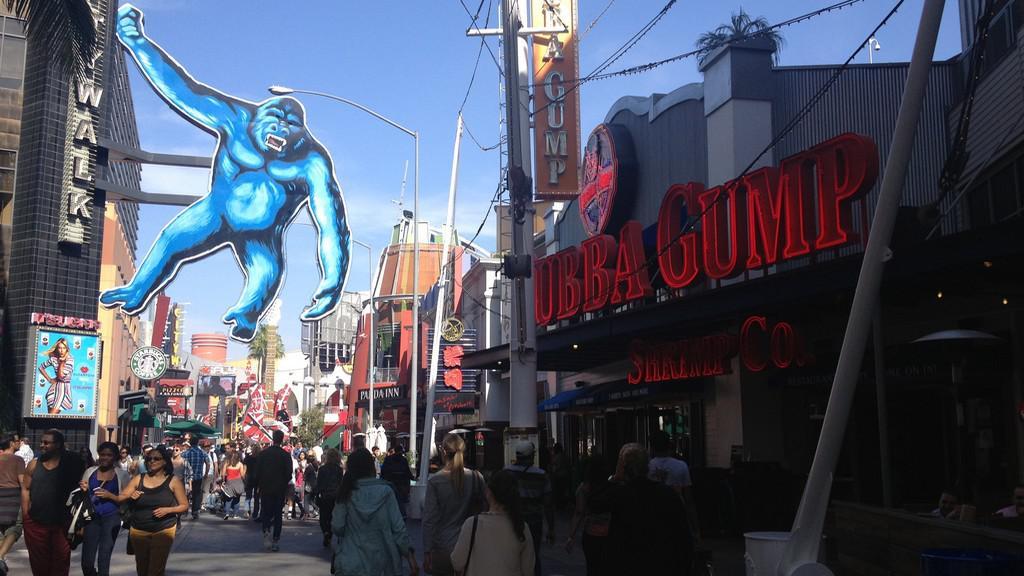 Rušná ulice v areálu Universal Studios