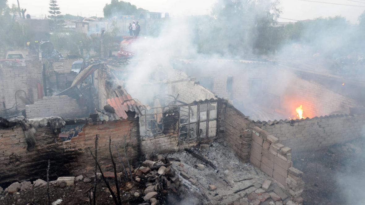 Výbuch cisterny poničil okolí
