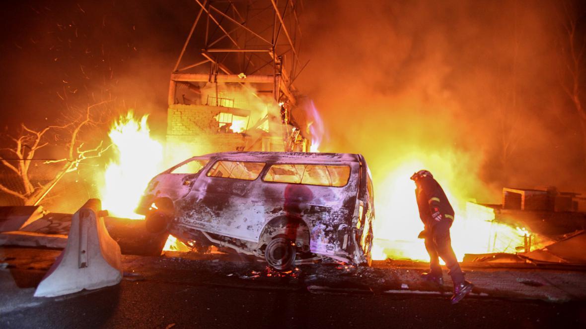 Požár po výbuchu cisterny v Mexiku