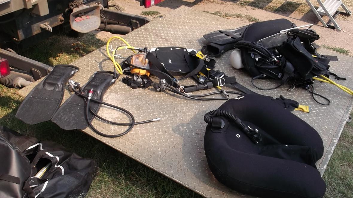 Vybavení policejních potápěčů