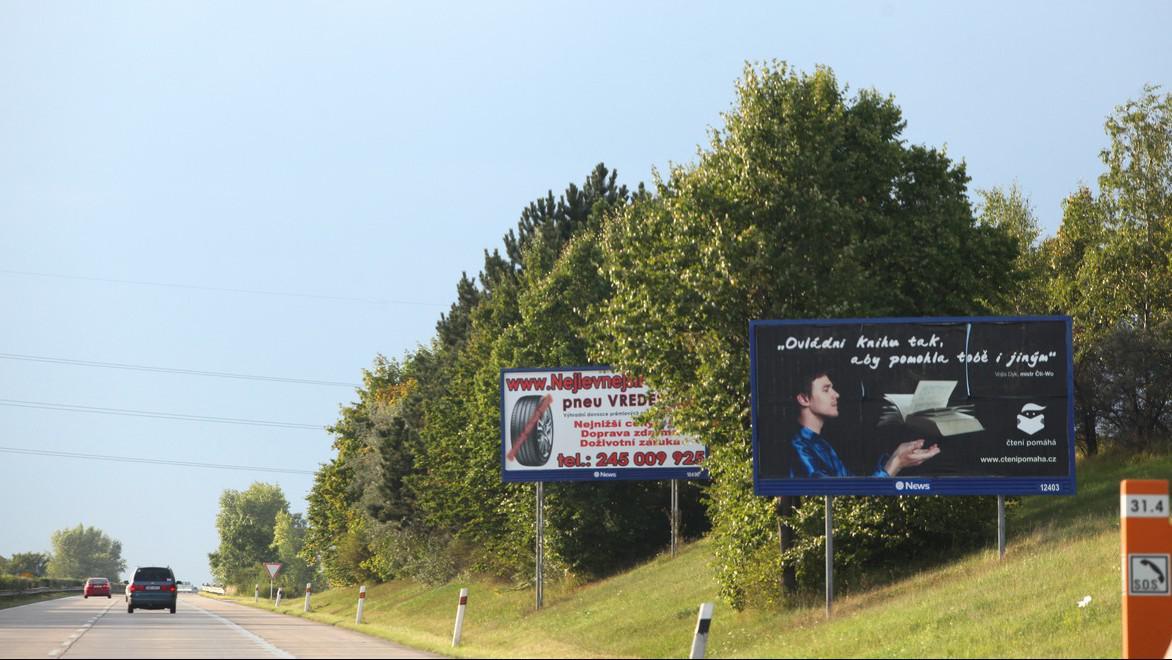 Billboard u silnice