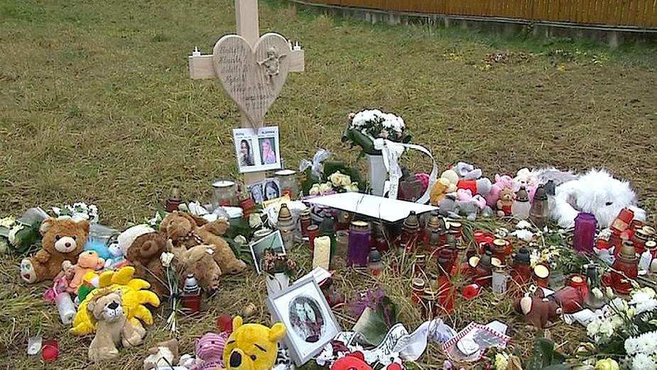 Na místě tragédie v Lopeníku vzniklo pietní místo