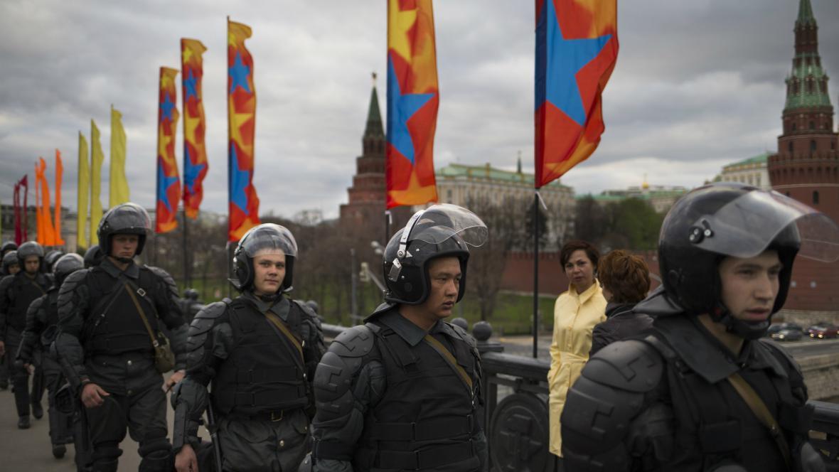 Ruská policie dohlíží na protest opozice