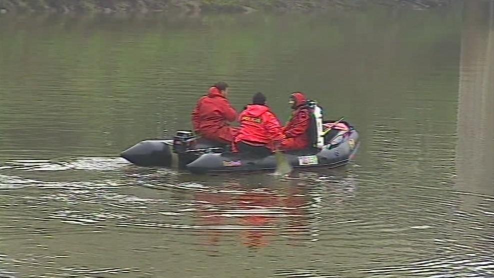 Po zmizelé trojici pátrají hasiči i policisté