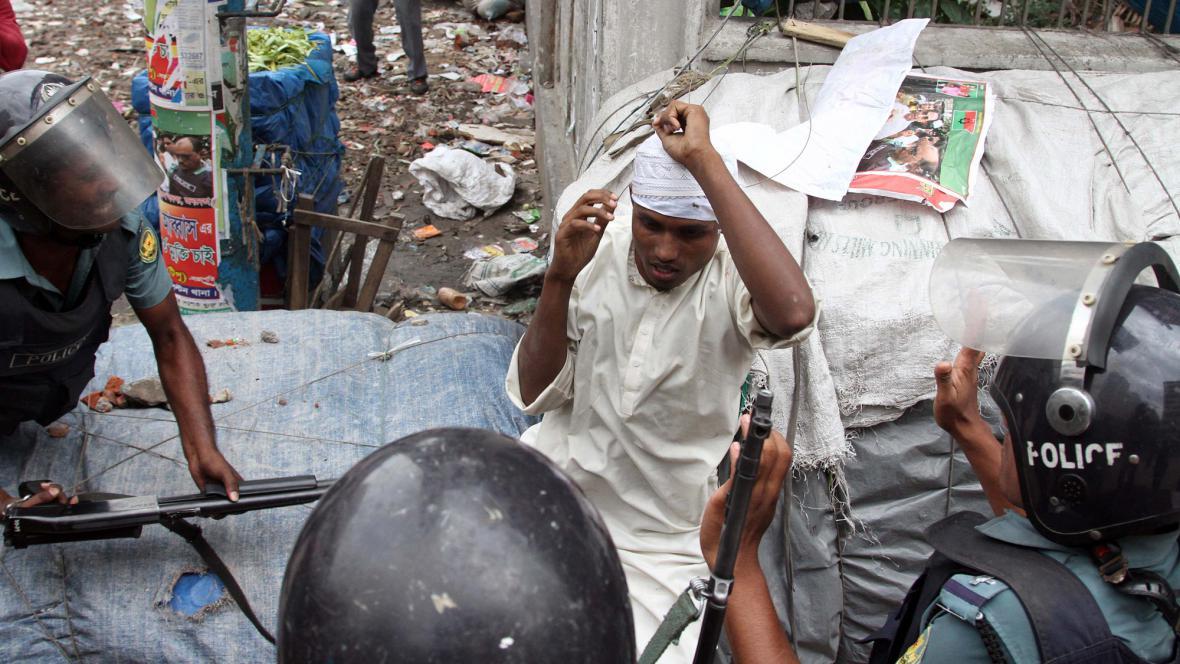 Policie v Dháce zasáhla proti islamistům