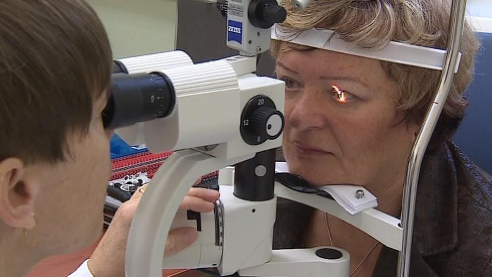 Paní Martušková podstoupila operaci obou očí