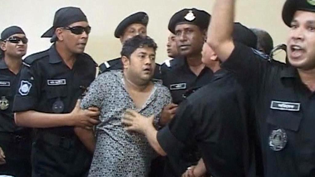 Bangladéšská policie zadržela v souvislosti s neštěstím několik lidí