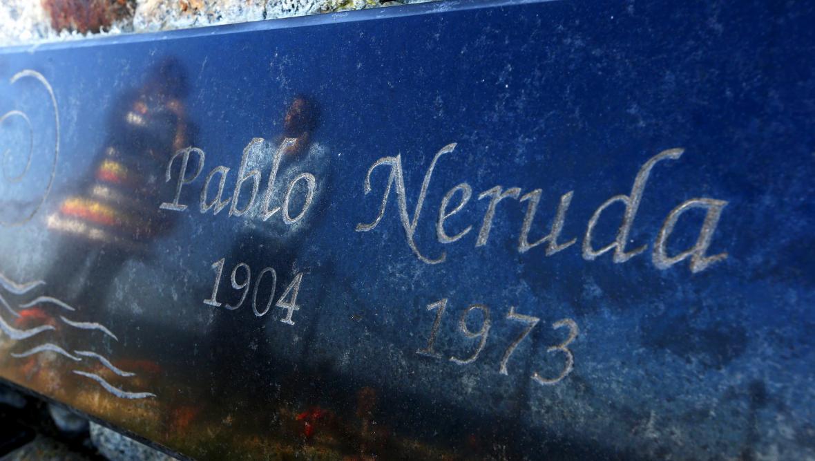 Exhumace ostatků Pabla Nerudy