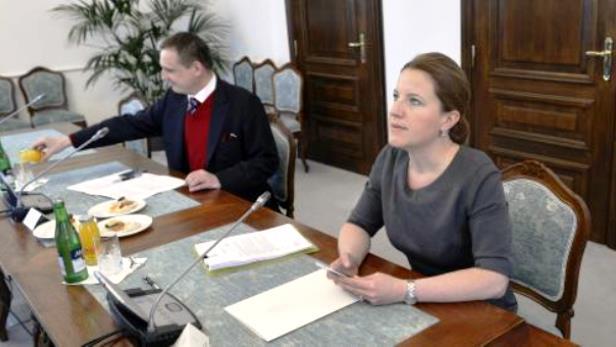 Jednání o finanční ústavě
