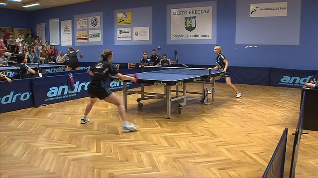 Hana Matelová a Kateřina Pěnkavová vyhrály oba své zápasy