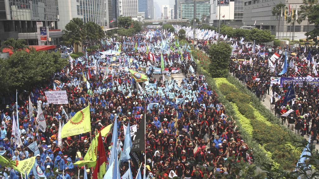 Ulice indonéské Jakarty na 1. máje