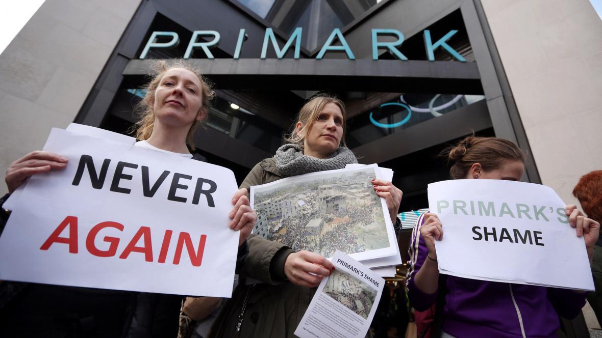 Protest před sídlem firmy Primark