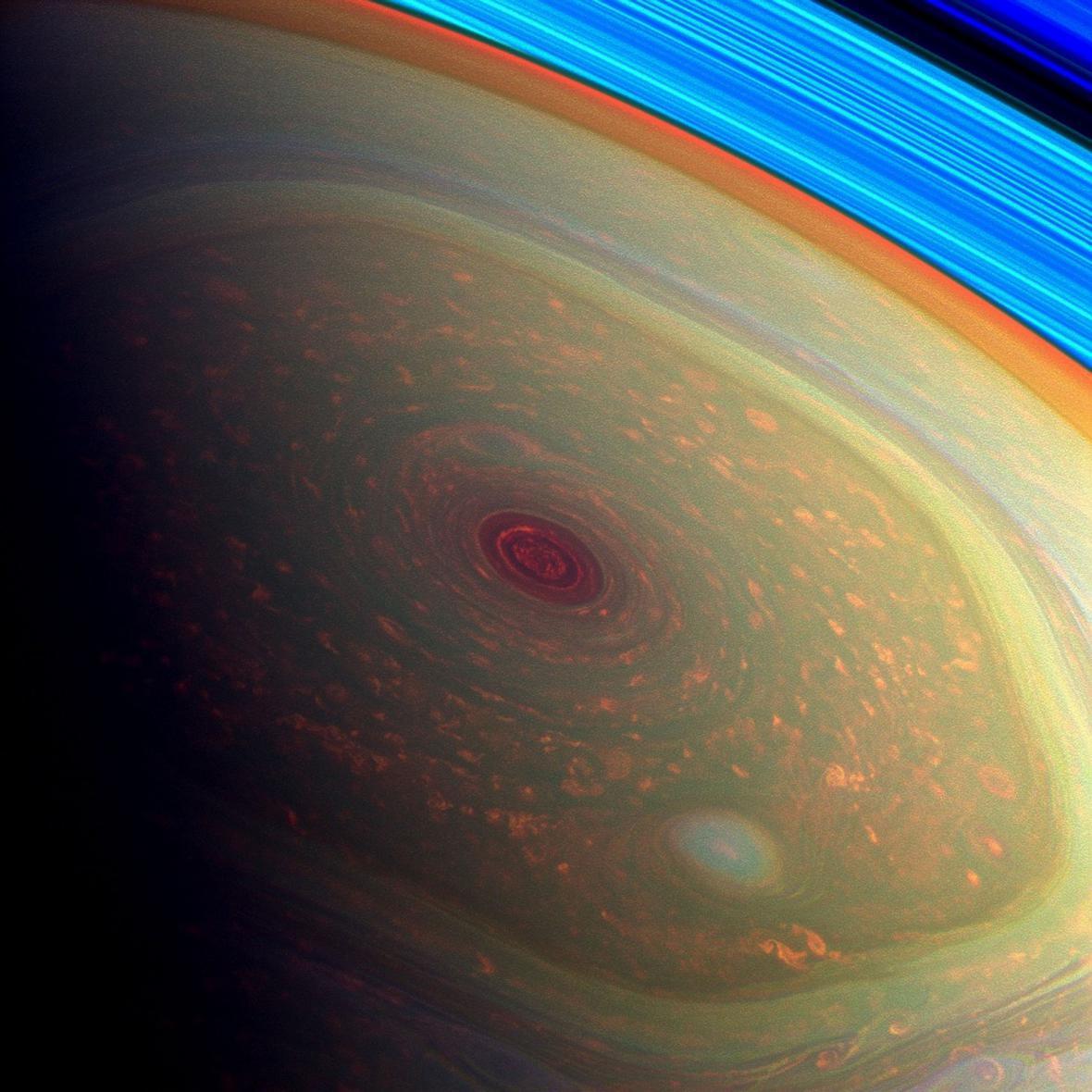Hurikán na Saturnu