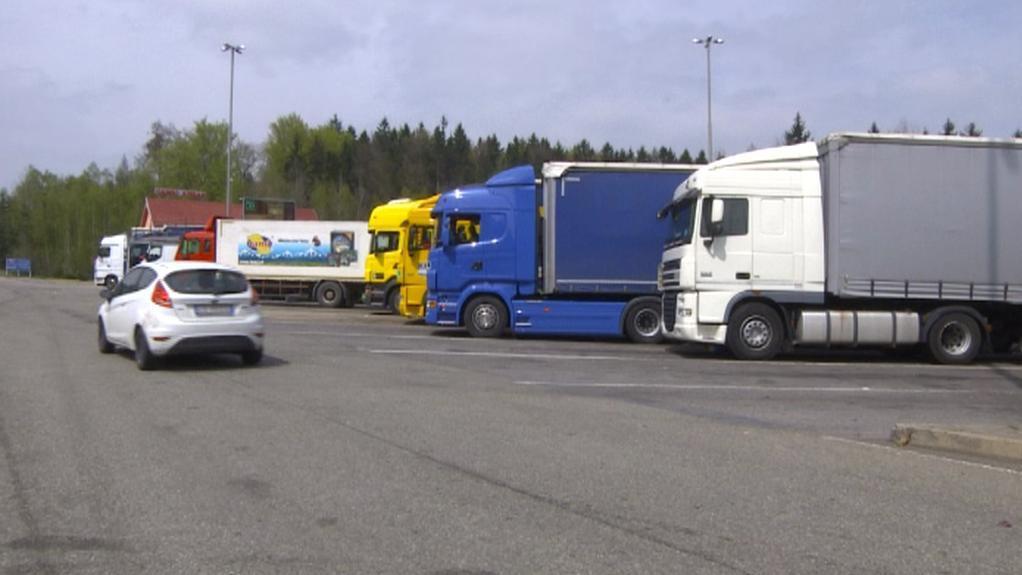 Kamiony na odstavném parkovišti