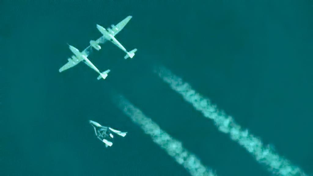 SpaceShipTwo se oddělila od nosiče