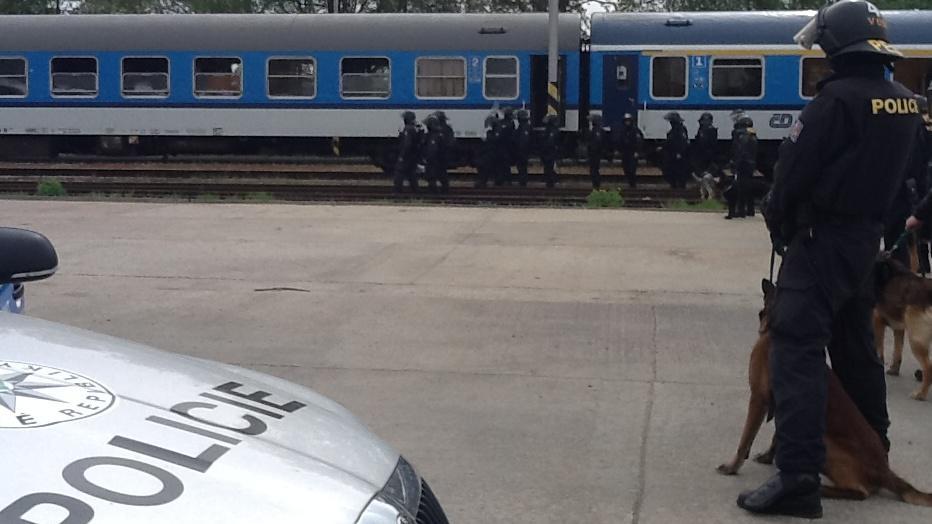 Policisté přípravy na rizikový zápas nepodcenili