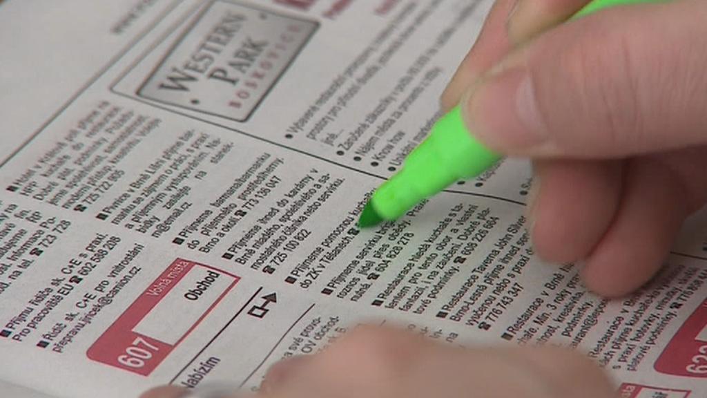 Inzertní noviny s nabídkou přivýdělků