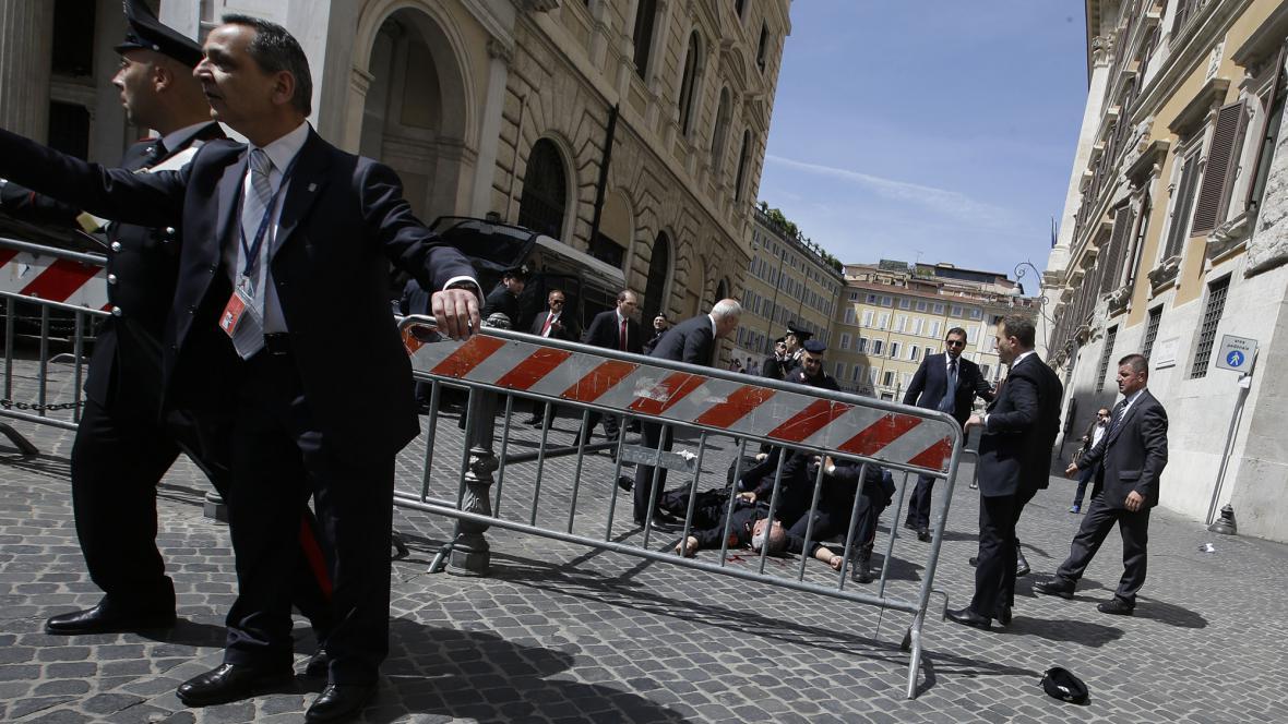 Střelba před sídlem italské vlády