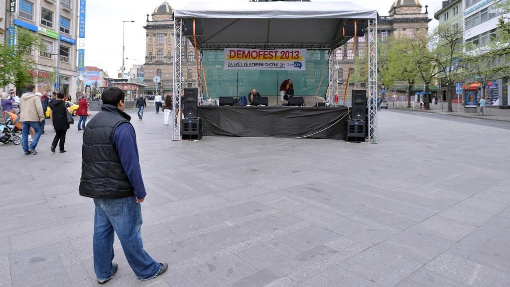 Václavské náměstí krátce před zahájením demonstrace