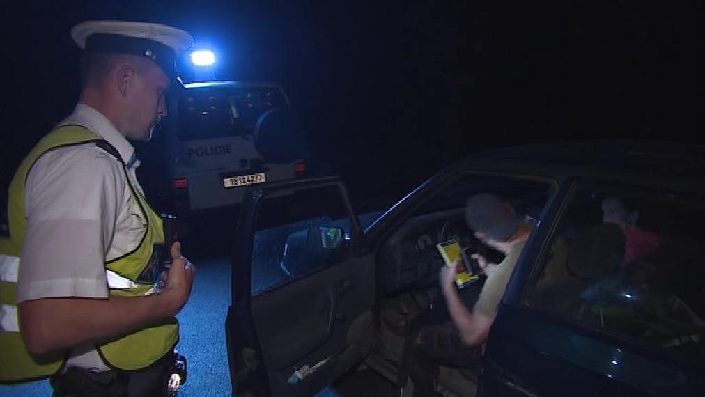 Jeden mladík řídil pod vlivem drog, další muž byl opilý