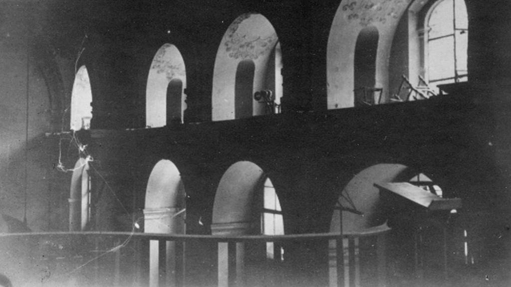 Ochoz kostela po bitvě parašutistů s nacisty