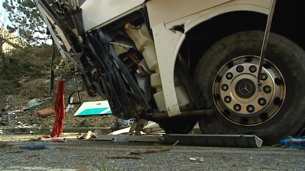 Nehoda zájezdového autobusu