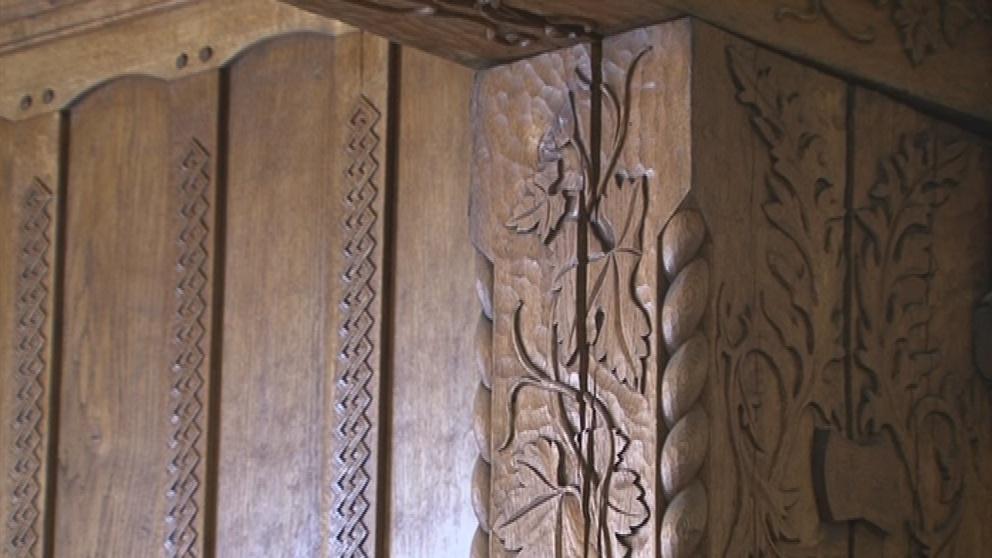 Detail opraveného dřevěného interiéru na Špilberku