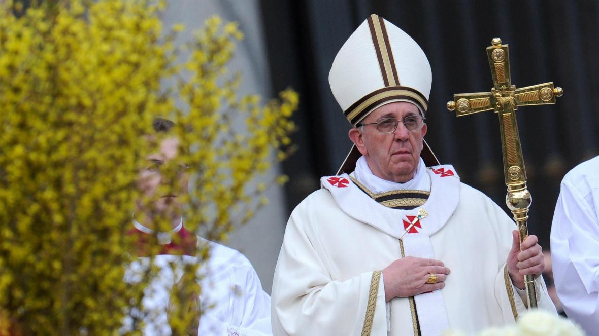 Papež František slouží velikonoční mši