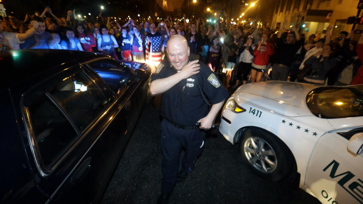 Oslavy v Bostonu po zadržení Džochara Carnajeva