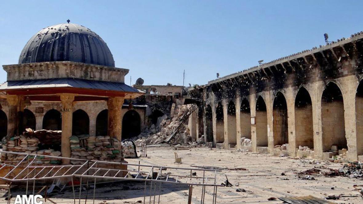 V Aleppu se zřítil minaret Umajjovské mešity