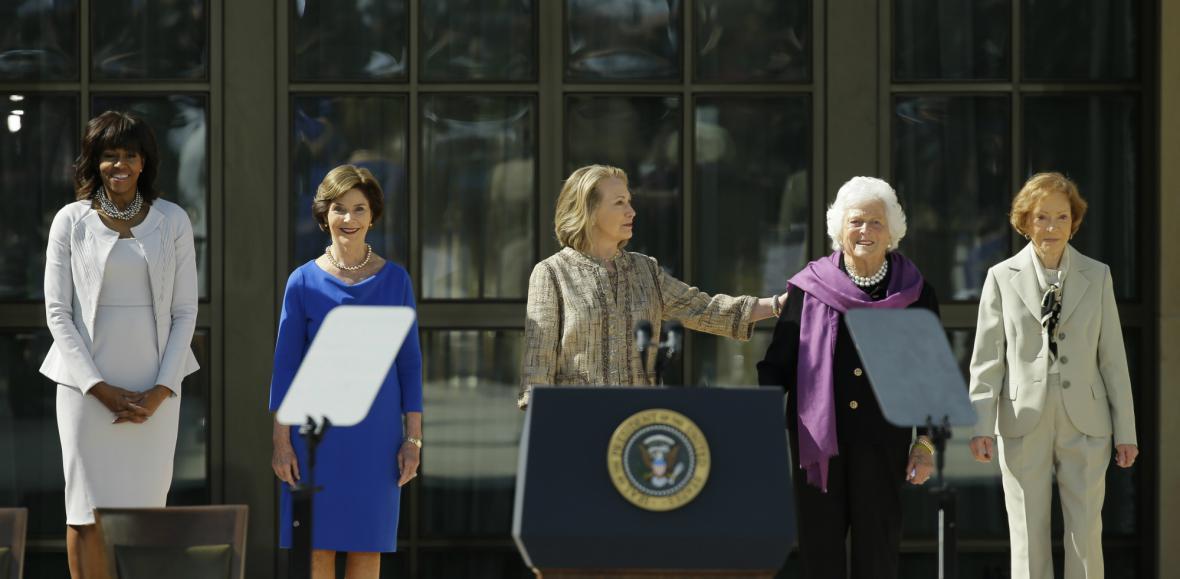 První dámy USA na otevření Bushovy knihovny