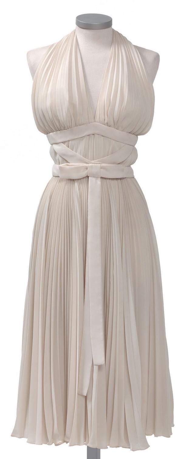 Šaty M. Monroe z filmu Slaměný vdovec
