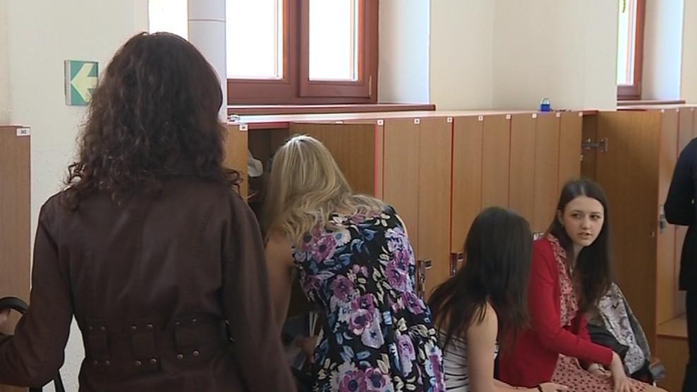 Studenti vsetínského gymnázia se bouří proti slučování